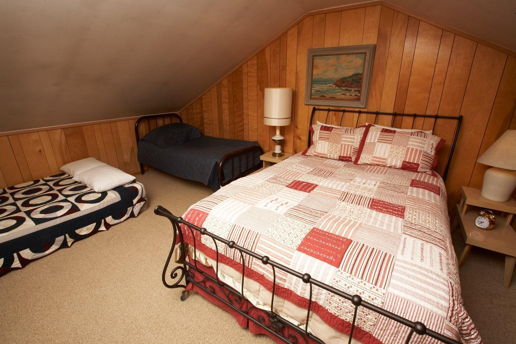 Bedroom #2-min