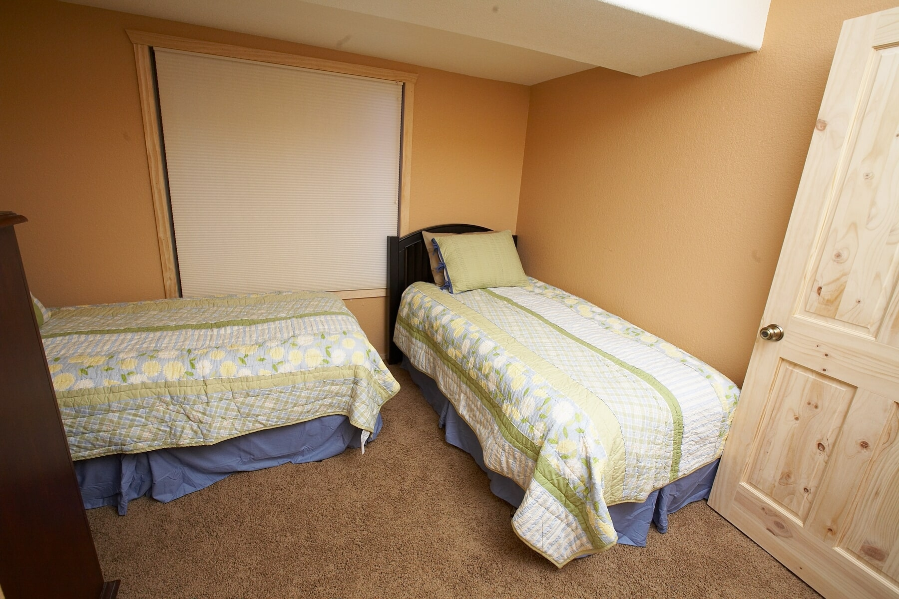 Bedroom 4-min