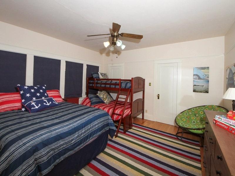 Bedroom_2-min