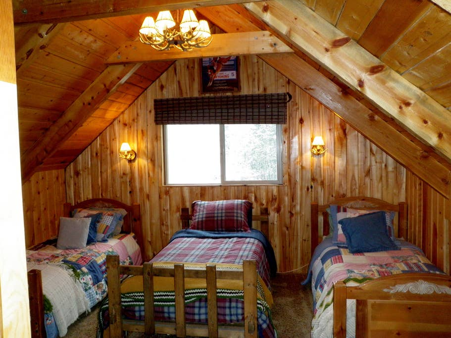 Three twin beds upstairs.